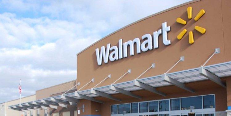 Wal-Mart закрывает пункты оптовой торговли